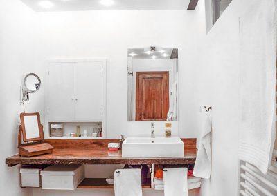 Piano rustico per lavabo