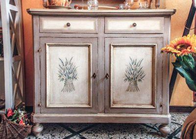 Vetrina Toscana decorata